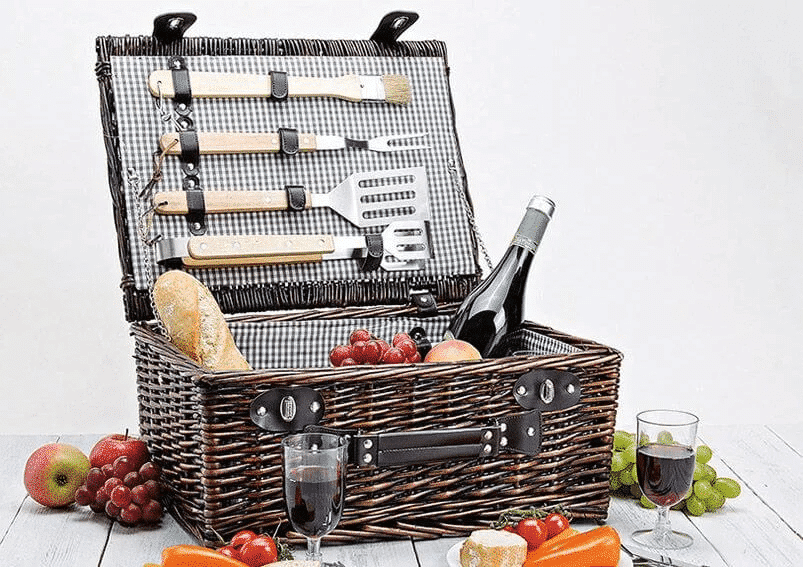 BBQ Picnic basket for 4 persons