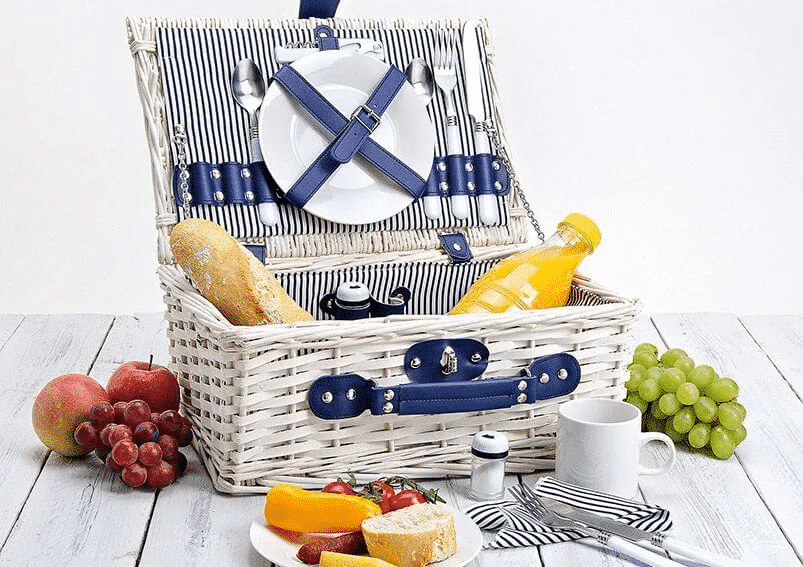 Willow picnic basket for 2 person 16pcs.